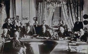 Il Tavolo con i partecipanti alla Conferenza