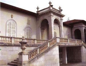 La scalinata d'ingresso